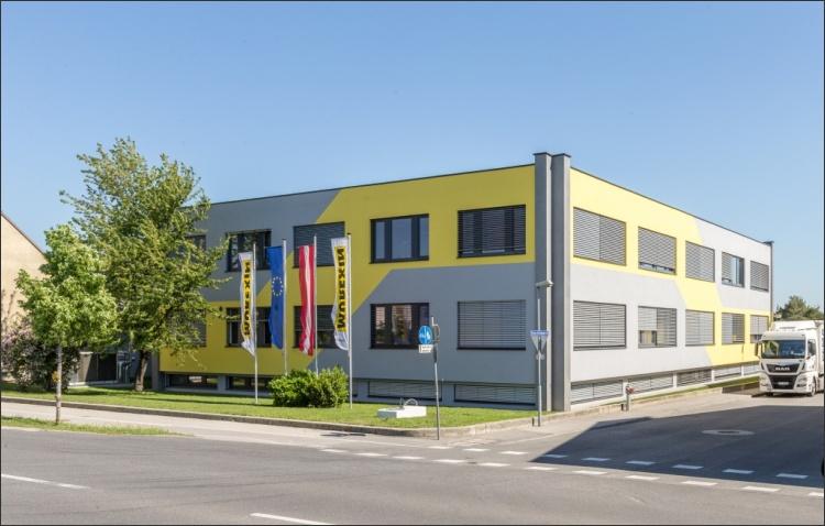 Fassadenneugestaltung Betriebsgebäude
