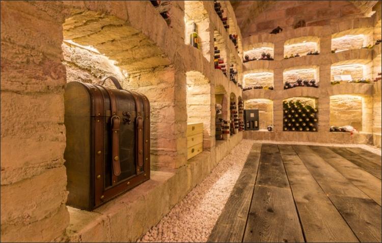 Weinkeller mit Gewölbe