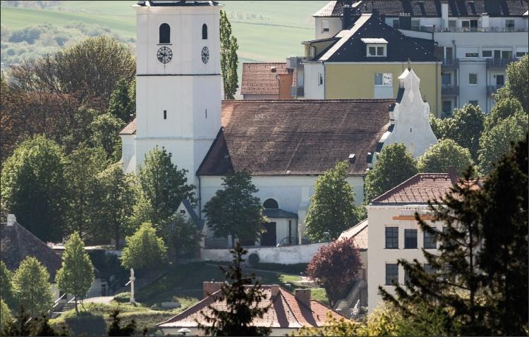 VOGLER Sanierung Pfarrkirche Mattersburg außen