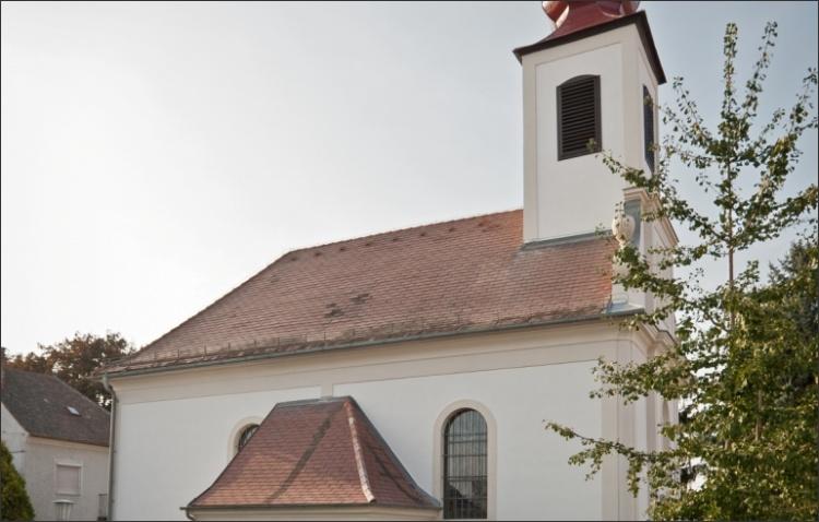 Sanierung der historischen Kirchenfassade