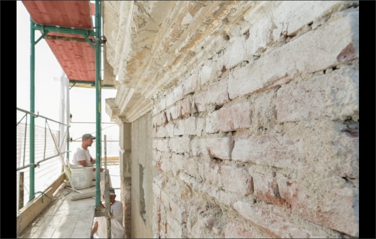 Arbeiten historische Fassade